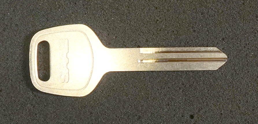 9-2X Key Blank - Valet (2005 Aero, 2005-2006 Linear)